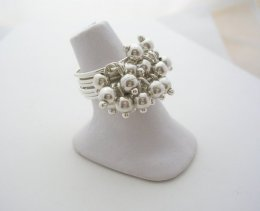 Feminine Taxco Sterling Silver Small Cluster Spheres Ring