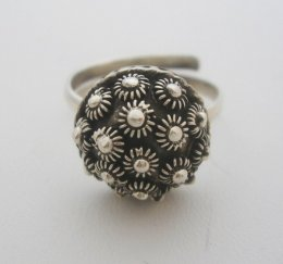 Old Taxco Style Sterling Silver Filigree Decorated Ring