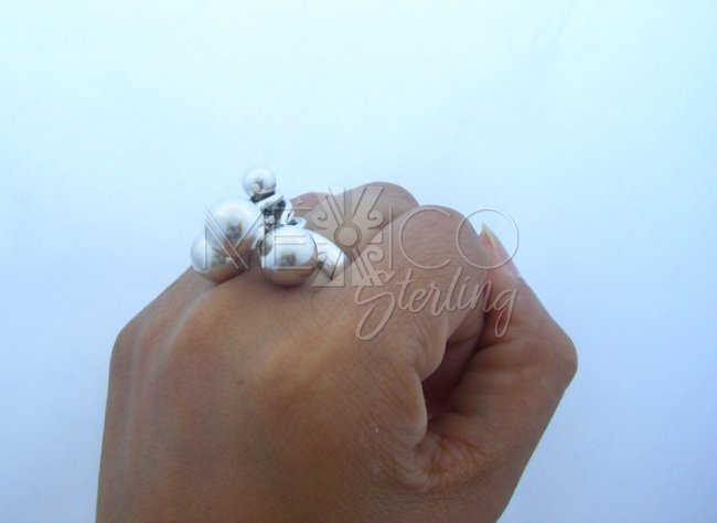 Feminine Taxco Sterling Silver Large Cluster Spheres Ring