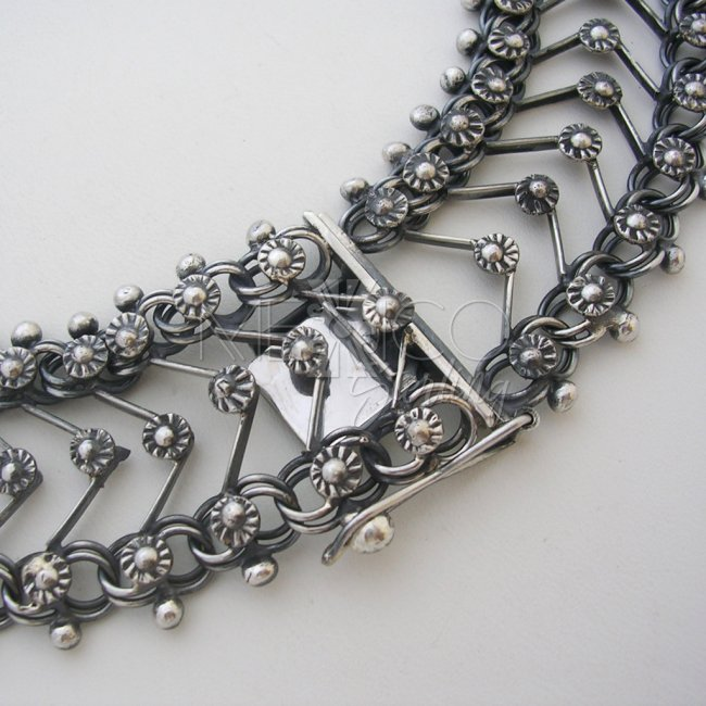 Sterling Silver Necklace with Baroque Style