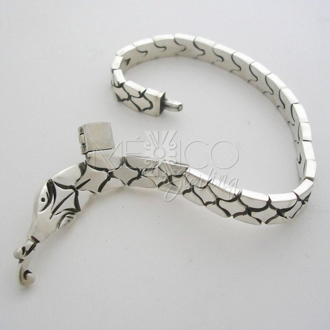 Artistic Thin Silver Bracelet with Snake