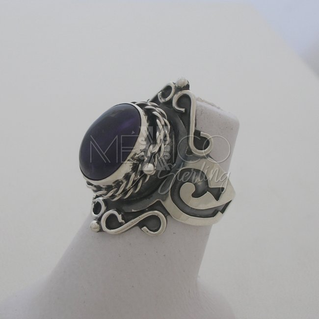 Elegant Silver Poison Ring with Onyx Stone