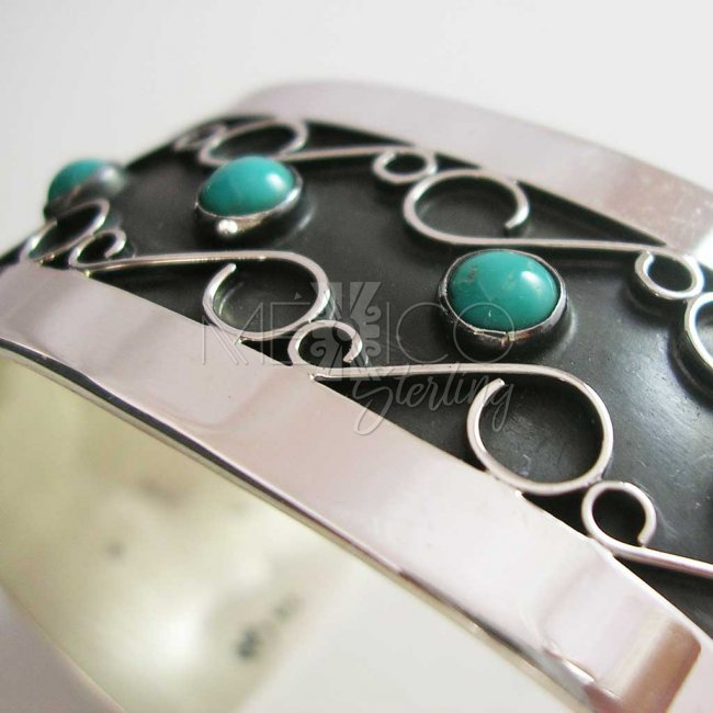 Vintage Whisper Taxco Silver Cuff