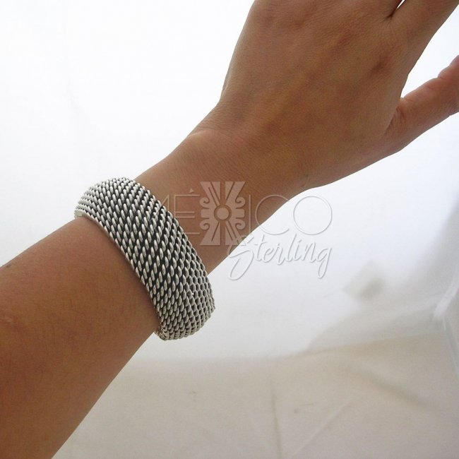 Solid Silver Tight Weave FAR FAN Style Bracelet