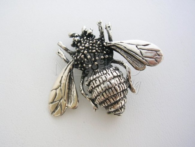 Unusual Jewelry, Sterling Silver bee Pin Brooch