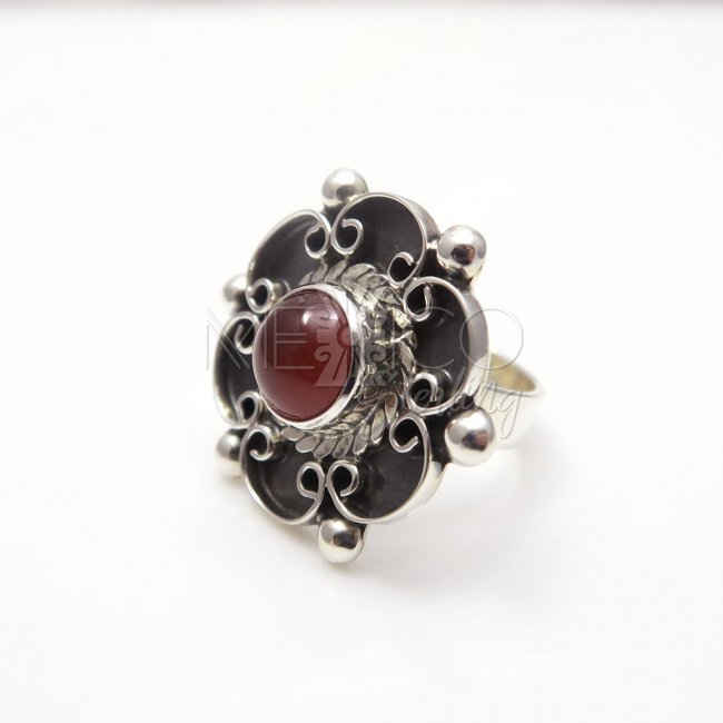 Silver Carnelian Romantic Flower Ring - Click Image to Close