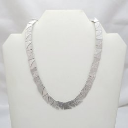Delicate Silver Hammered Puzzle Necklace