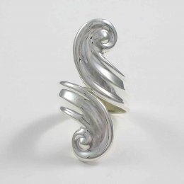 Nostalgic Waves Silver Ring