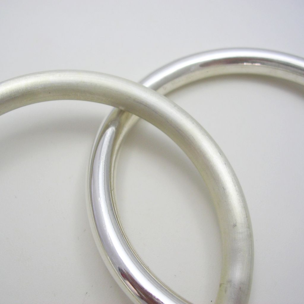 Fashionable Taxco Silver Bangle