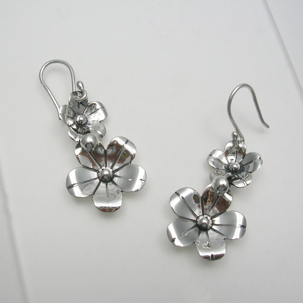 Dangling Silver Flower Earrings