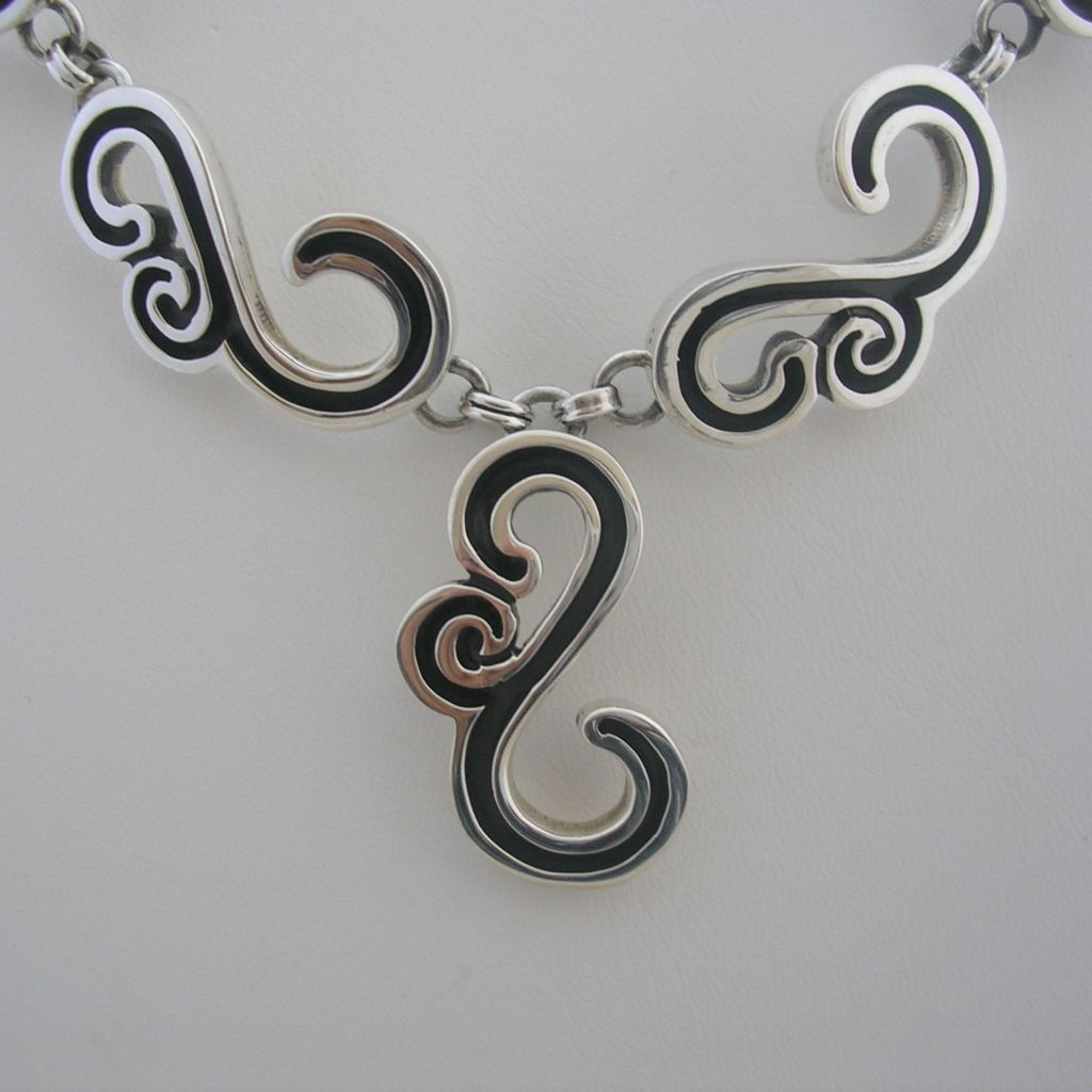Taxco 925 Plain and Oxidized Silver Necklace